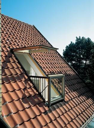Velux gpl p19 cabrio balcony roof window for Skylight balcony window